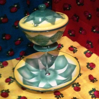 Maawoon Qatar Cake Stands Created By Hamian Posted By Maawoon