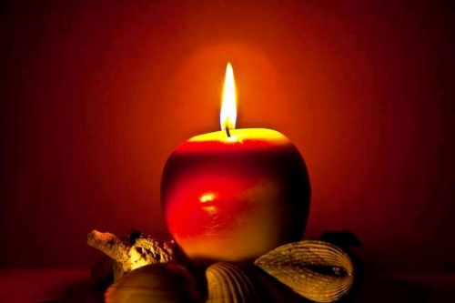 Apple candle Created By  Posted By Vintage Chic
