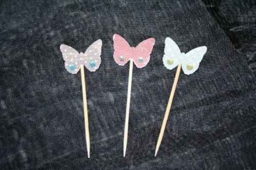 Butterfly cupcake toppers Created By  Posted By Pink Pepper Craft Studio