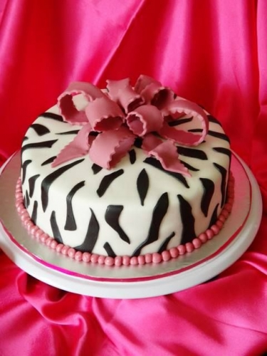 Zebra Pattern and Bow Cake Created By  Posted By Easy Partys