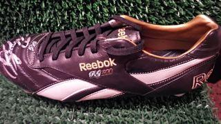 Ryan Giggs Signed Boot Created By Reebok Posted By Derek Lyon