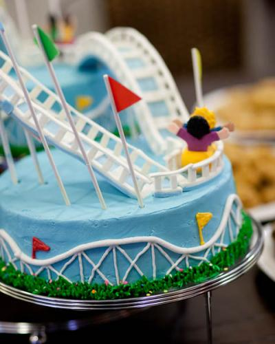 Cake Decorating Qatar : Qatar Collections: Roller Coaster Cake